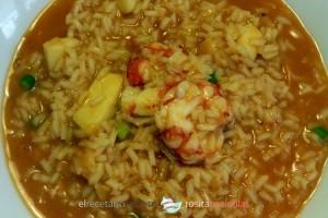 arroz caldoso con gambones y calamar
