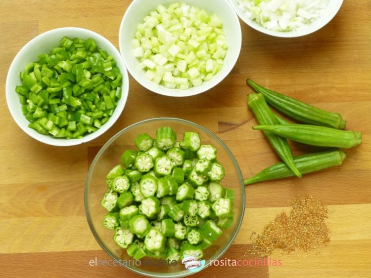Okra, hortalizas y especias del gumbo de pollo
